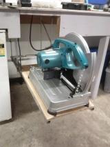 DIY: Cut-off sawshelf