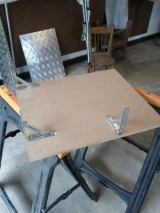 DIY: Making and installing shelf for Linuxrouter/server