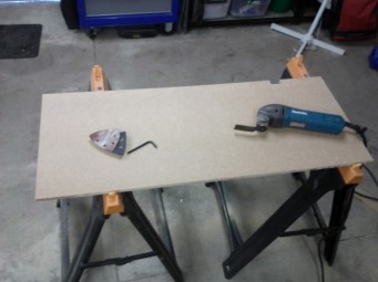 Multi-tool being used to remove edges