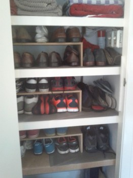 Shelves all installed. But at night you can hardly see the shoes
